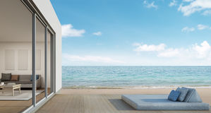 Vie extérieure, maison de plage avec la vue de mer dans la conception moderne photos libres de droits