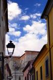 Vie medievali di Avila vicino alla cattedrale fotografia stock