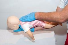 Vie respiratorie del corpo estraneo, bambino di soffocamento Fotografie Stock Libere da Diritti