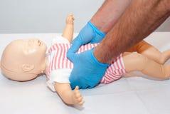 Vie respiratorie del corpo estraneo, bambino di soffocamento Fotografia Stock Libera da Diritti