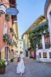 Vie strette del centro storico di Kitzbuhel Immagini Stock Libere da Diritti