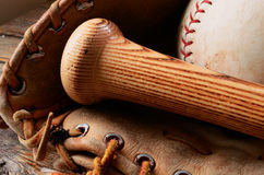 Vieil équipement de base-ball utilisé Photo libre de droits