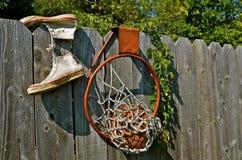 Vieil équipement de basket-ball Images stock