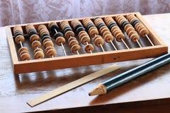 Vieil abaque en bois pour le calcul Images libres de droits