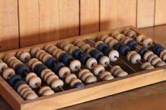 Vieil abaque en bois pour le calcul Photos stock