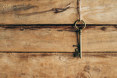 Vieil accrocher principal sur le bois brun et le concept d'amour Photo libre de droits