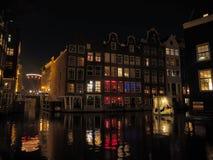 Vieil Amsterdam par nuit Image stock