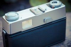 Vieil appareil-photo de cru Photos stock