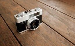 Vieil appareil-photo de photo Photographie stock