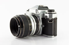 Vieil appareil-photo de photo d'isolement sur le fond blanc Photo libre de droits