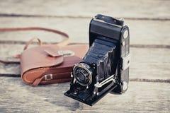 Vieil appareil-photo de pliage image stock