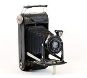 Vieil appareil-photo de pliage avec des soufflets photographie stock libre de droits