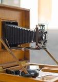 Vieil appareil-photo de pliage de vintage images stock