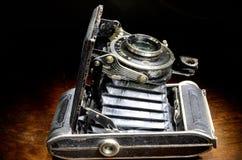 Vieil appareil-photo de soufflets Images stock