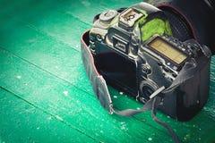 Vieil appareil-photo porté Photos libres de droits