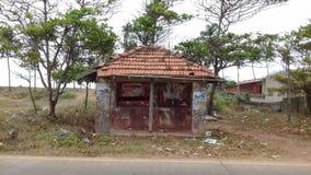 Vieil arrêt sri-lankais de buss Photographie stock