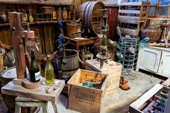 Vieil atelier de mise en bouteilles Image libre de droits