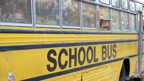 Vieil autobus scolaire Photos stock