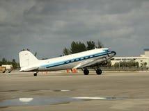 Vieil avion de propulseur Photographie stock