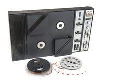 Vieil enregistreur de bande magnétique audio bobine à bobine des années '70 Photos libres de droits