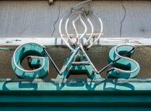 Vieil enseigne au néon, gaz photo stock