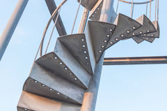 Vieil escalier extérieur en métal Photos libres de droits
