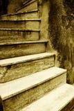 Vieil escalier italien Images libres de droits