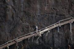 Vieil escalier le long de flanc de montagne Image libre de droits