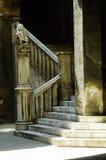Vieil escalier pierreux photographie stock libre de droits
