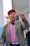 Vieil homme arabe qui a voté, traditionnellement rectifié Images libres de droits