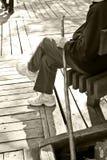 Vieil homme avec le bâton de marche Image libre de droits