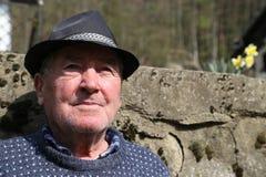 Vieil homme de chapeau image libre de droits