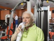 vieil homme de gymnastique Photos stock