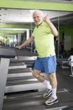 vieil homme de gymnastique Photographie stock libre de droits