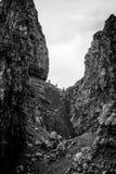 Vieil homme de Storr, île de Skye, avec des marcheurs Image stock