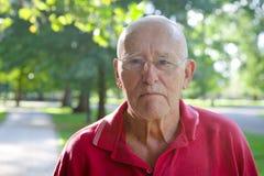 Vieil homme dehors Photographie stock libre de droits