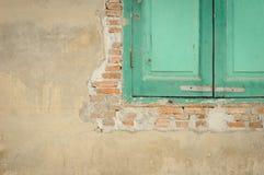 Vieil hublot en bois Photographie stock libre de droits