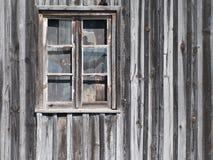 Vieil hublot en bois de grange Photos libres de droits