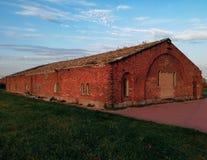 Vieil immeuble de brique rouge dans la ville de Bobruisk Photo stock