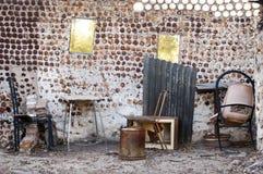 Vieil intérieur à la maison images libres de droits