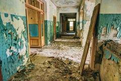 Vieil intérieur abandonné de Chambre Bâtiment abandoné Images libres de droits