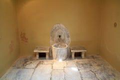 Vieil intérieur de Bath turc de tabouret sur l'île de Kos en Grèce Photo libre de droits