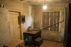 Vieil intérieur de maison de village Photographie stock