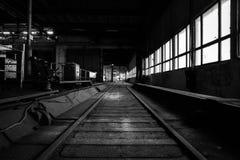 Vieil intérieur industriel abandonné Images libres de droits