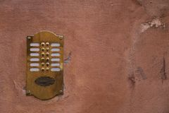Vieille Sonnerie En Bronze Dinterphone De Porte Photo Stock Image