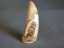 Vieil objet sculpté trouvé sur Bequia Photos libres de droits