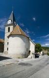 Vieille église avec la tour d'horloge Photo stock