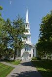 Vieille église blanche de la Nouvelle Angleterre Images libres de droits
