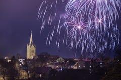 Vieille église dans Cesis, Lettonie Bâtiments historiques et ville Photo stock