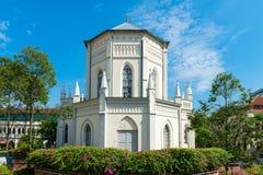 Vieille église dans le style néoclassique photo stock